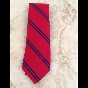 Lauren Ralph Lauren 100% silk neck tie. Red/blue